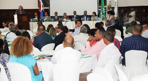 foto Mesa de honor y participantes seminario MAP